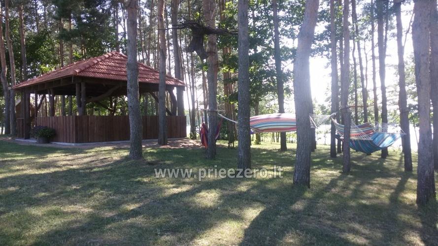 Māja uz ezera krastu: pirts, istabas, banketu zāle 30 personām, kajaki - 7