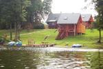Makšķerēšana ezerā, laivas Edmund Dapkus lauku sētā