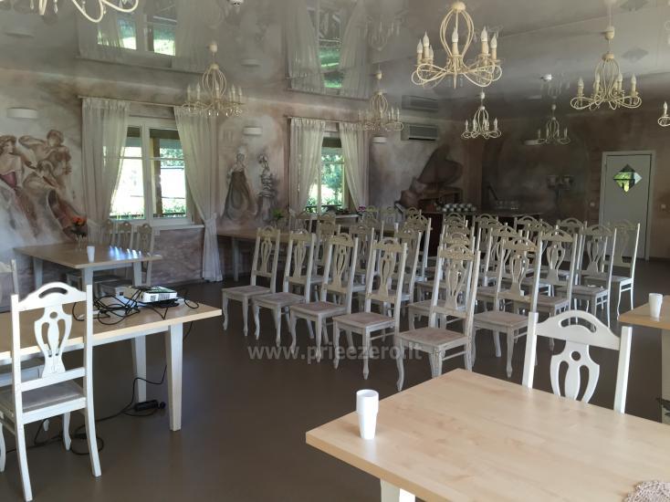 Lauku seta Varenas rajona kāzas ar lielu banketu zāle - 6
