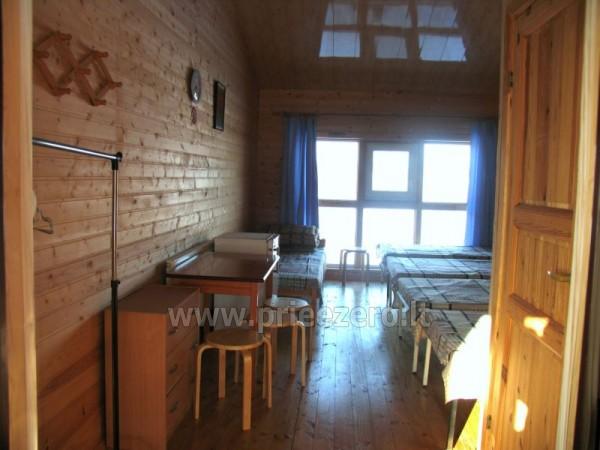 Viesu nams ezera krastā starp Vilņu un Kauņu dažādiem pasākumiem un svinībām - 24