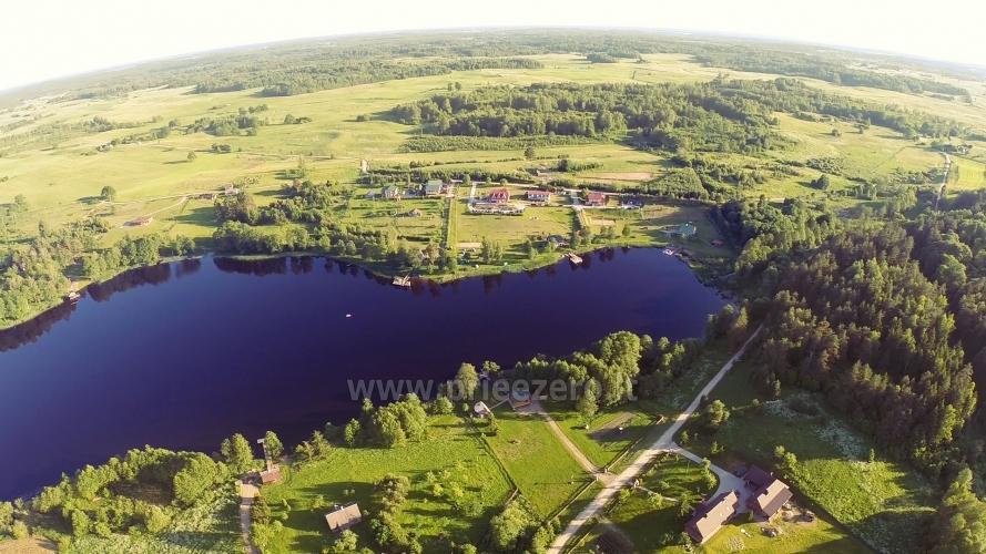 Viesu nams ezera krastā starp Vilņu un Kauņu dažādiem pasākumiem un svinībām - 28