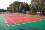 Tenisa korts, basketbola laukums un citas izklaides Kernaves bajoryne