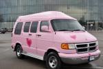 """""""Pink Limo"""" - ekskluzīvs mikroautobusu noma jūsu puses"""