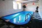 Mājīga viesnīca ar saunu, baseinu un banketu zāle