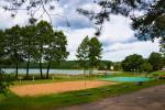 200 metru attālumā: ezers, laivu noma, bērnu rotaļu laukums, basketbola un volejbola laukums - 4