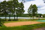 200 metru attālumā: ezers, laivu noma, bērnu rotaļu laukums, basketbola un volejbola laukums - 5