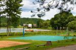 200 metru attālumā: ezers, laivu noma, bērnu rotaļu laukums, basketbola un volejbola laukums - 6