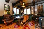 Māja līdz 13 personām: dzīvojamā-ēdamistaba, pilnībā aprīkota virtuve, 5 guļamistabas, terase, balkons, WC - 10