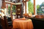 Māja līdz 13 personām: dzīvojamā-ēdamistaba, pilnībā aprīkota virtuve, 5 guļamistabas, terase, balkons, WC - 9