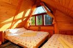 Māja līdz 13 personām: dzīvojamā-ēdamistaba, pilnībā aprīkota virtuve, 5 guļamistabas, terase, balkons, WC - 20