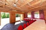 Māja svinībām ar banketu zāli un guļamistabām - 9